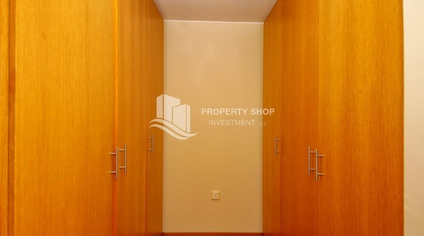 WalkIn Closet-Vacant Type S Villa with High ROI + Pvt Pool.