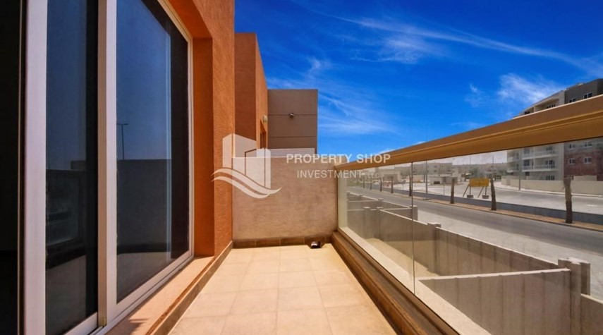 Balcony-Big plot - corner size + Single row 4 BR Villa with wide terrace