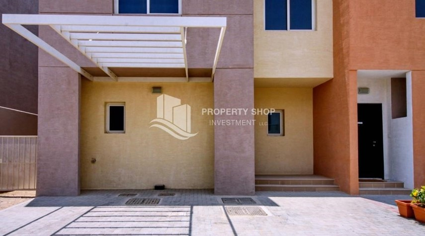 Parking-Big plot - corner size + Single row 4 BR Villa with wide terrace