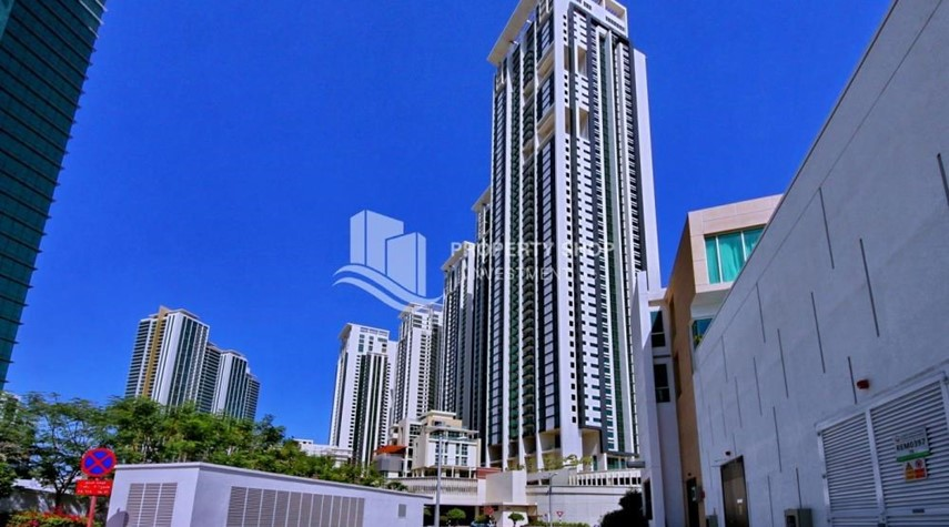 Property-Sea view Apt on mid floor vacant now!