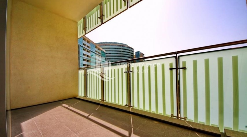Balcony-Spacious 3 + M with walk in closet and full sea view!