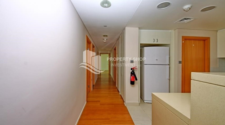 Corridor-Spacious 3 + M with walk in closet and full sea view!