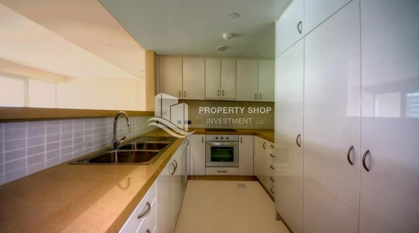 Kitchen-2 bedrooms with partial sea and canal view