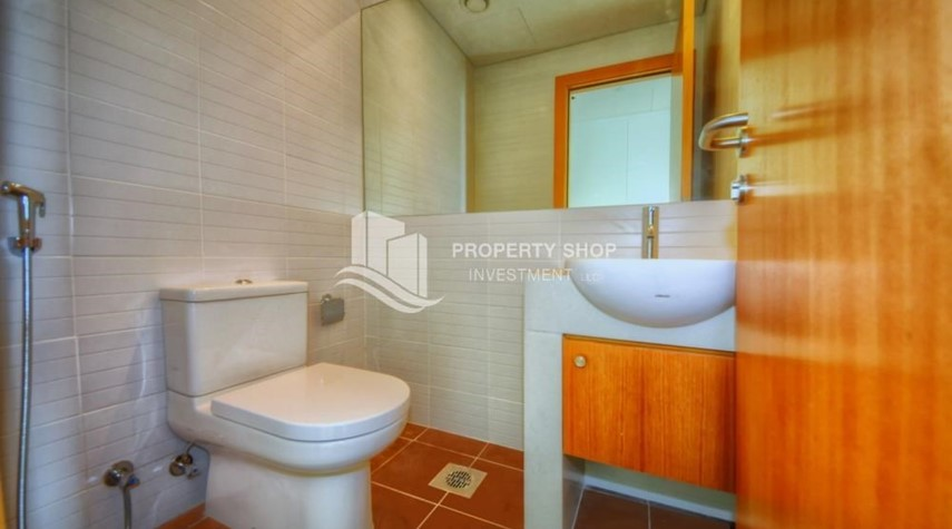 Powder-2 bedrooms with partial sea and canal view