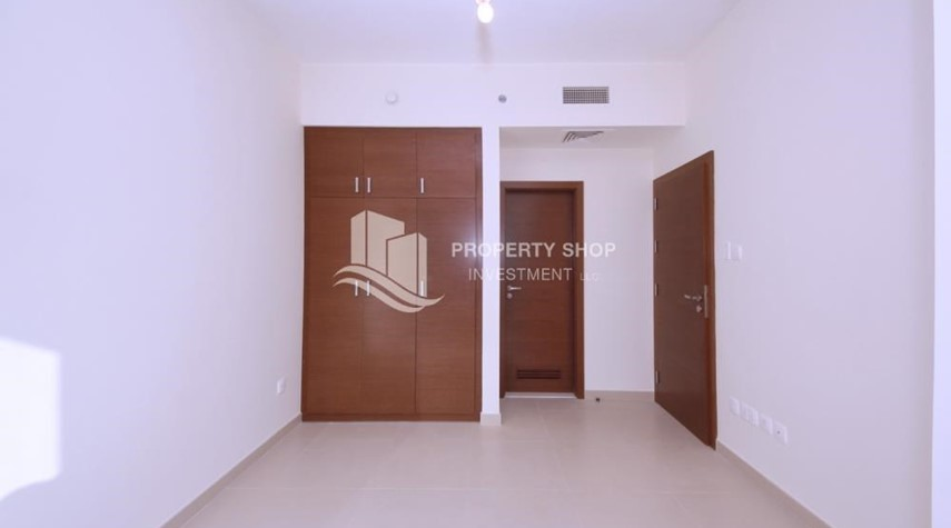 Built in Wardrobe-1 bedroom apartment for rent in Gate Tower