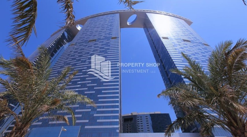 Property-Amazing 2 BR apt in gate tower