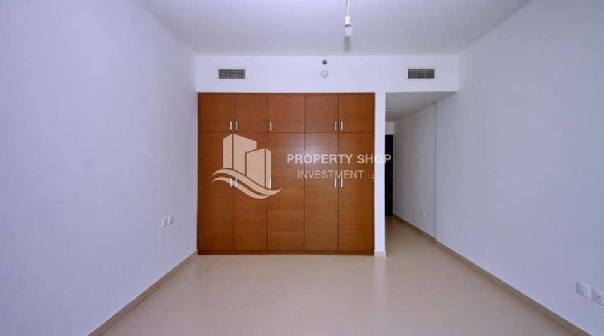 Built in Wardrobe-Call the agent and Book for 1BR Apartment with Great Facilities!