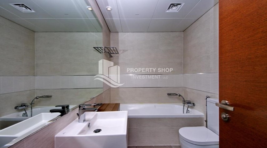 Master Bathroom-Call the agent and Book for 1BR Apartment with Great Facilities!
