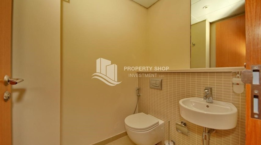 Bathroom-Type A 4BR+M townhouse with large lawn area.
