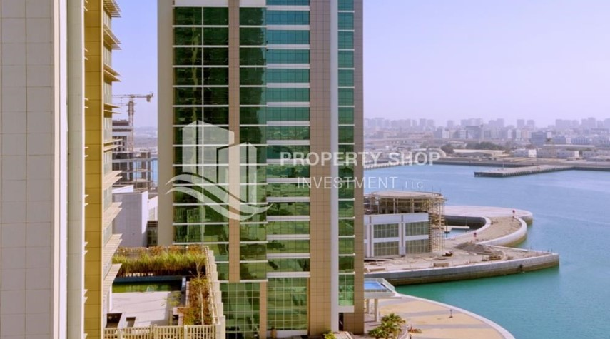 Community-High Floor Apt with Sea view + High ROI.