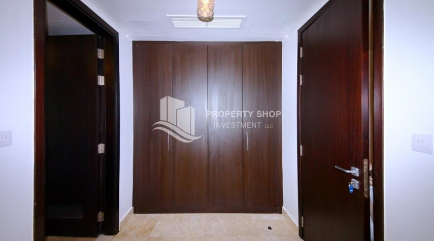 Built in Wardrobe-Vacant soon, High Floor Canal View Apt