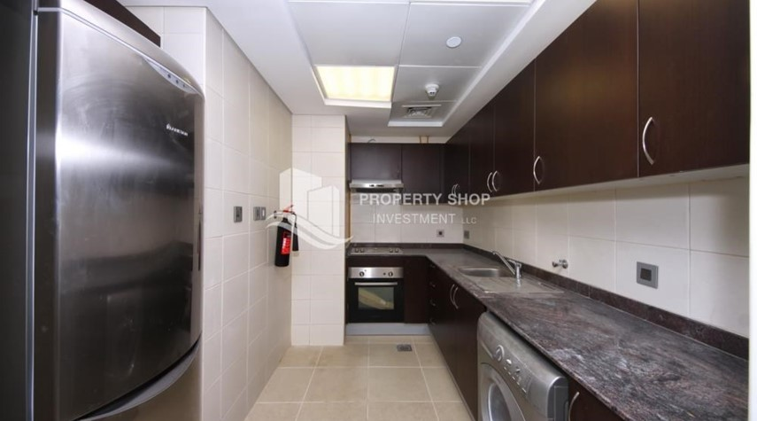 Kitchen-Hot deal! Vacant 2 Cheques, Apt with balcony.