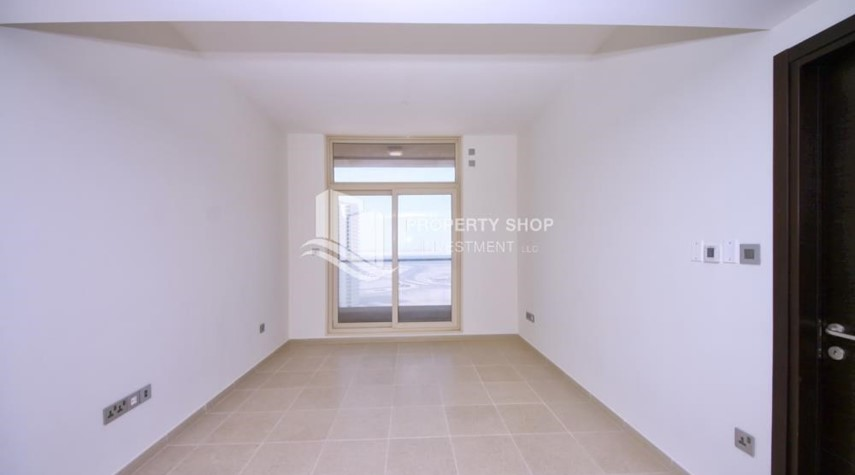 Living Room-Hot deal! Vacant 2 Cheques, Apt with balcony.