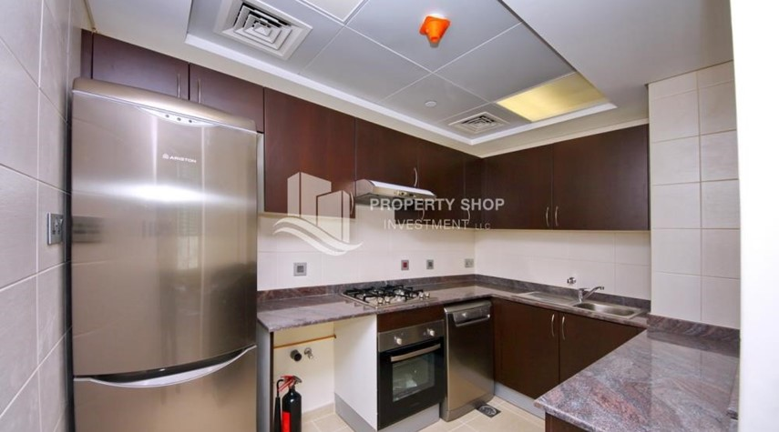 Kitchen-2BR with balcony in Mangrove Place for rent.