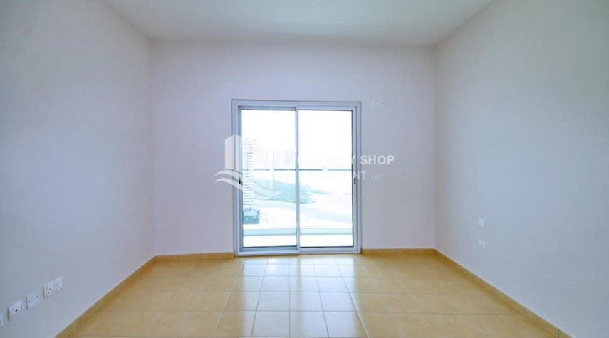 Bedroom-Mid floor 1BR unit with sea view offered for 4 cheques!