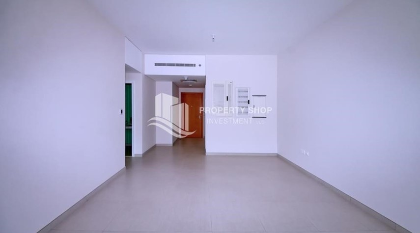 Dining Room-Mid floor 1BR unit with sea view offered for 4 cheques!