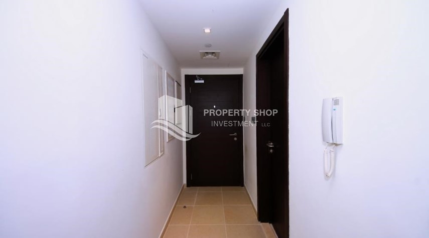 Foyer-Relaxed ambiance in a community - garden view 1BR Apartment with balcony in Mangrove Place.