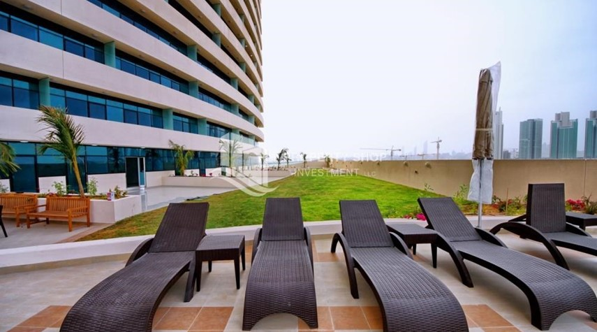 Facilities-Stunning Apt with Balcony overlooking the Sea.