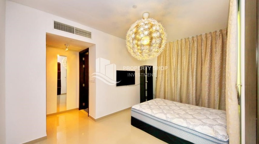 Bedroom-High Floor Apt with Sea view with Multiple Cheques options!
