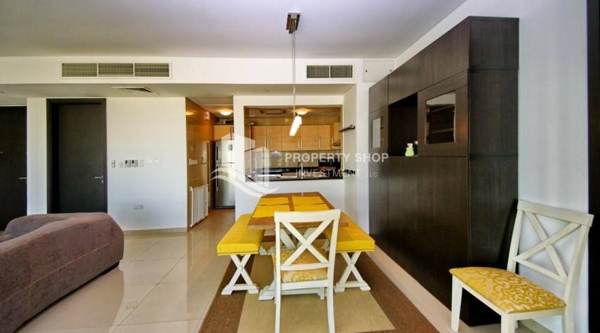 Dining Room-High Floor Apt with Sea view with Multiple Cheques options!