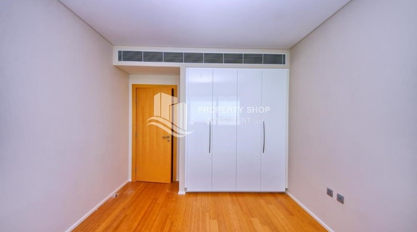 Built in Wardrobe-Spacious 3+M BR Apt with Partial Sea View