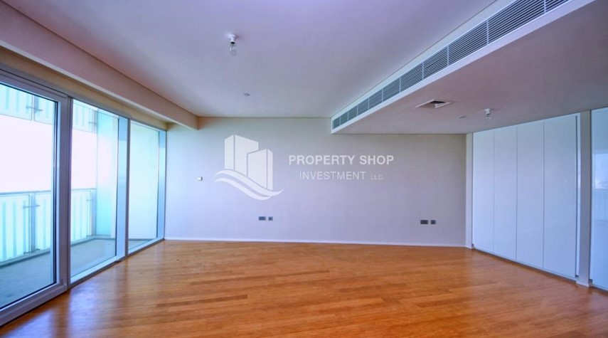 Living Room-Spacious 3+M BR Apt with Partial Sea View