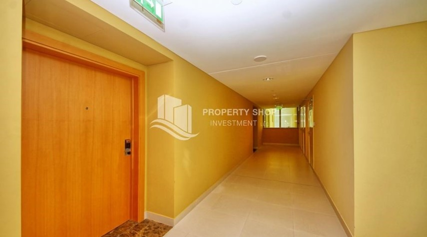 Lobby-Spacious 3+M BR Apt with Partial Sea View