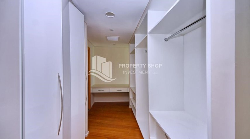 WalkIn Closet-Spacious 3+M BR Apt with Partial Sea View