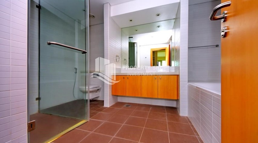Master Bathroom-High floor huge unit plus balcony with sea view!