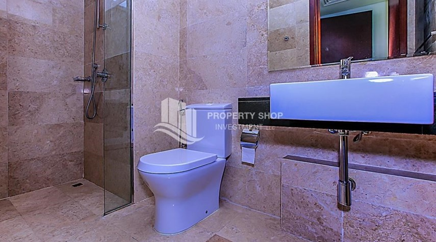 Bathroom-Sea View Apt at Excellent Price