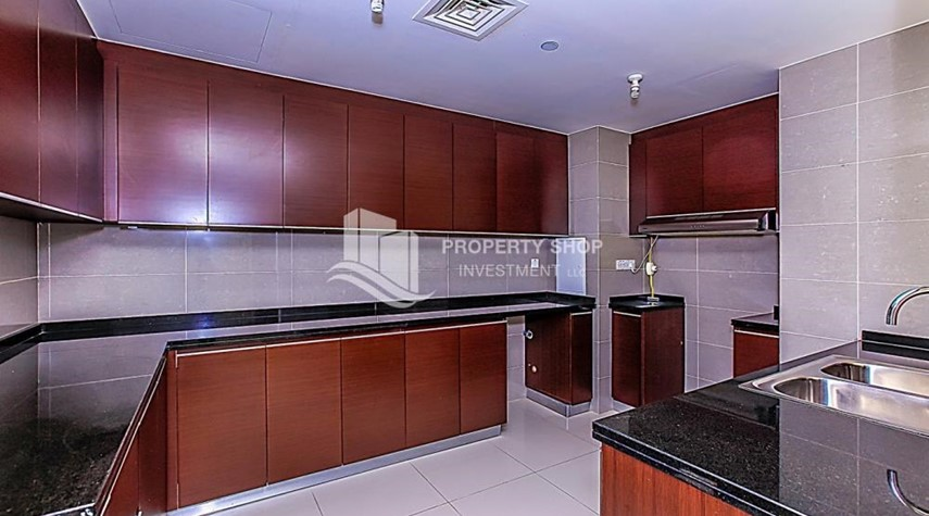 Kitchen-Sea View Apt at Excellent Price