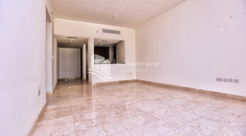 Dining Room-Low floor 2BR apartment in Marina Heights with park view.