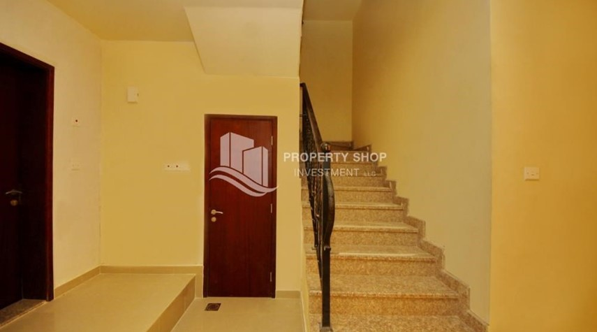 Stairs-Affordable 3BR villa w/ huge living space