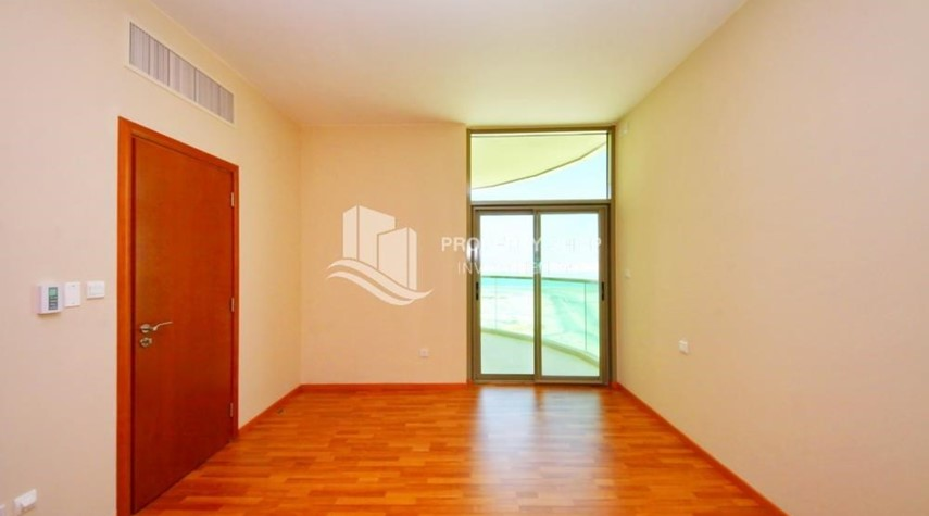 Bedroom-Spacious Sea View 1+M BR with balcony.