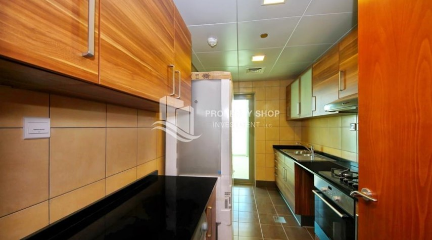 Kitchen-Spacious Sea View 1+M BR with balcony.