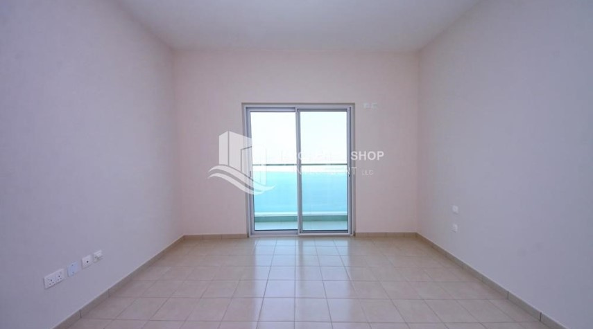 Bedroom-Spacious Apt with amazing view