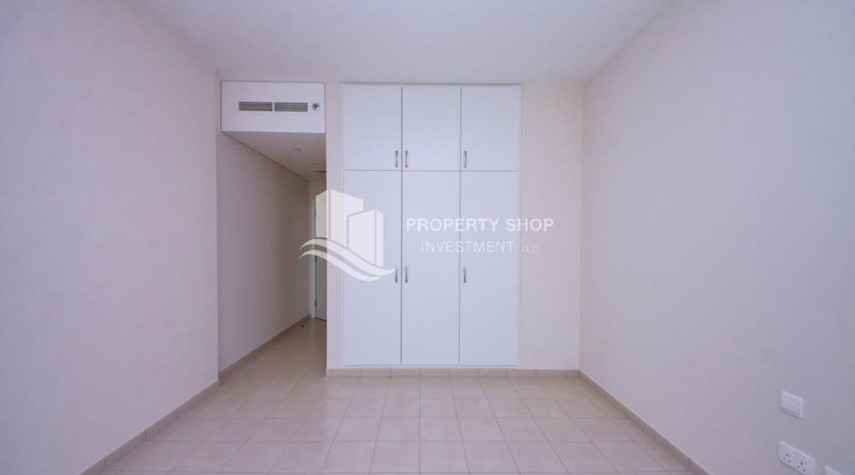 Built in Wardrobe-Spacious Apt with amazing view