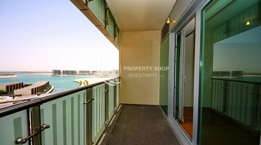 Balcony-Sea view Apt with high end amenities
