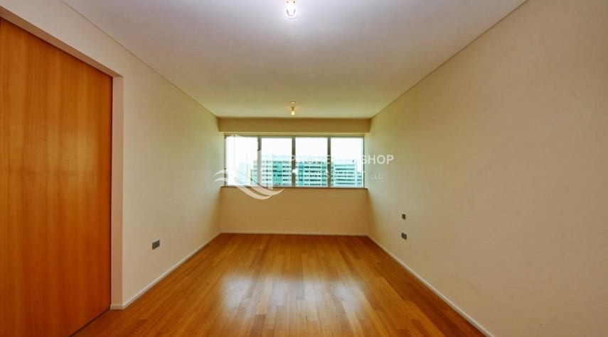 Bedroom-Sea view Apt with high end amenities