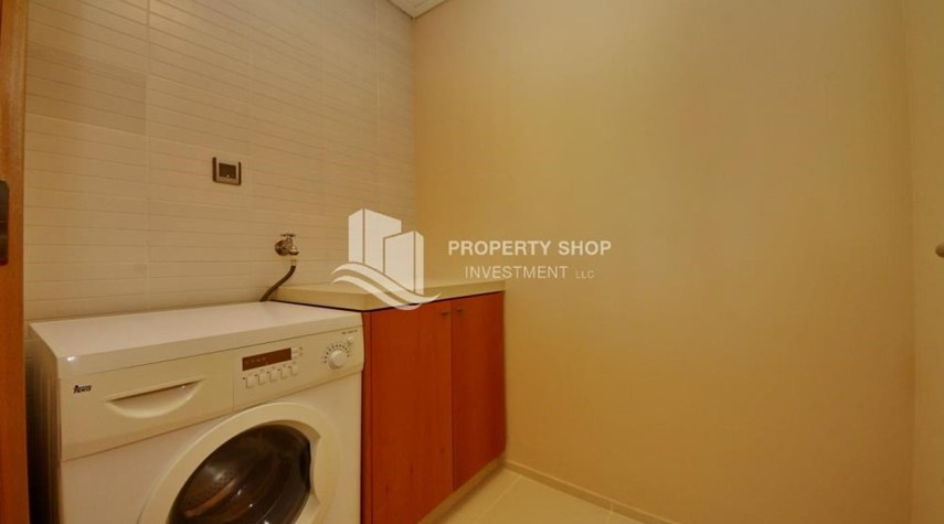 Laundry Room-Sea view Apt with high end amenities