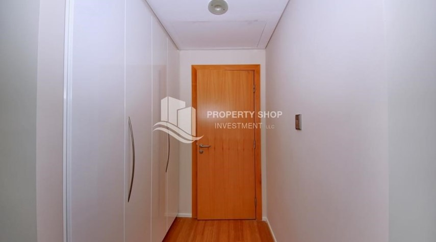 Built in Wardrobe-4+M BR Apt on High Floor plus 2% Rent Free + 1 Month Rent Free in Al Raha Beach!