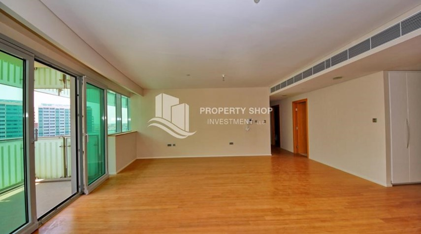Dining Room-4+M BR Apt on High Floor plus 2% Rent Free + 1 Month Rent Free in Al Raha Beach!