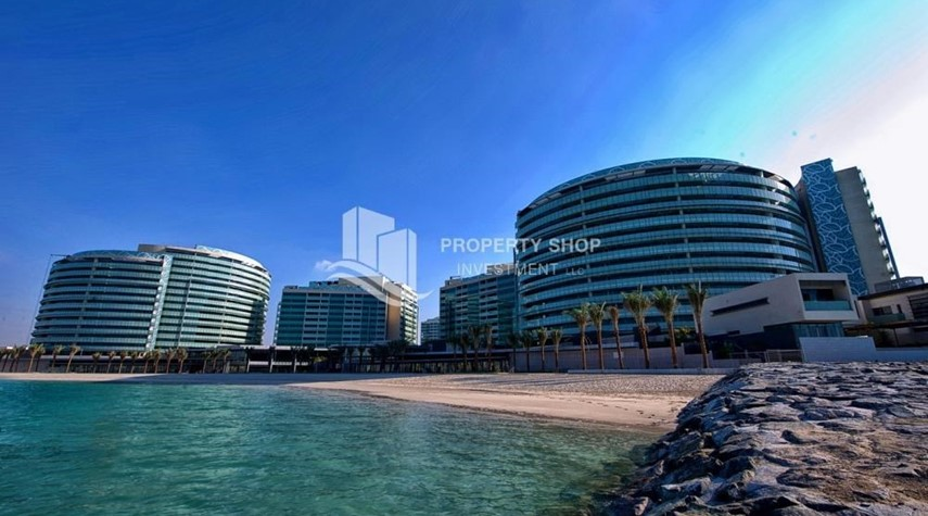 Property-4+M BR Apt on High Floor plus 2% Rent Free + 1 Month Rent Free in Al Raha Beach!