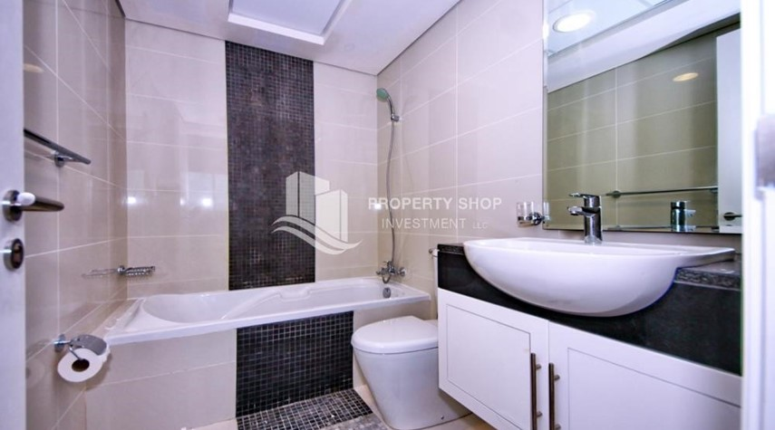 Bathroom-Ready to move in, 3BR/Duplex Apt + excellent facilities.