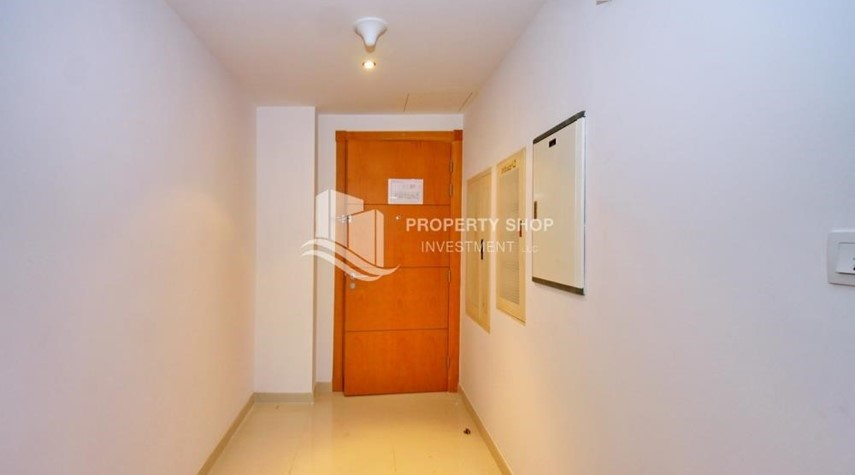 Foyer-Ready to move in, 3BR/Duplex Apt + excellent facilities.