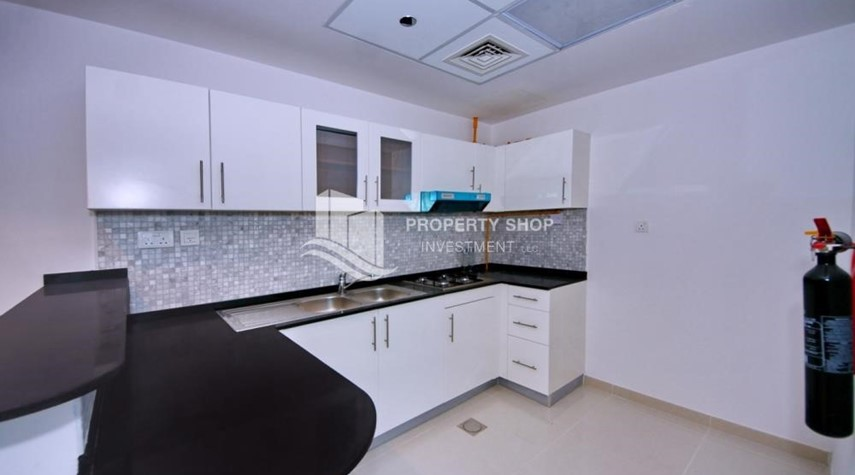 Kitchen-Ready to move in, 3BR/Duplex Apt + excellent facilities.