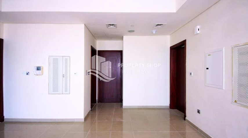 Foyer-HOT DEAL. Landmark living on the avenue. Own a 1 BR Sea View apartment in Hydra Avenue Tower.