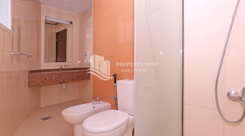 Bathroom-Studio for sale at Hydra Avenue Towers at C6