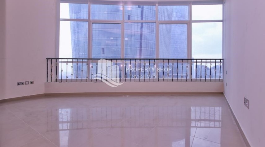 Bedroom-Studio apartment in high floor available for sale now.