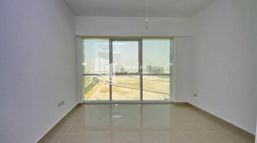 Bedroom-Brand new tower in Al Reem Island ready to move in! Spacious bedrooms!